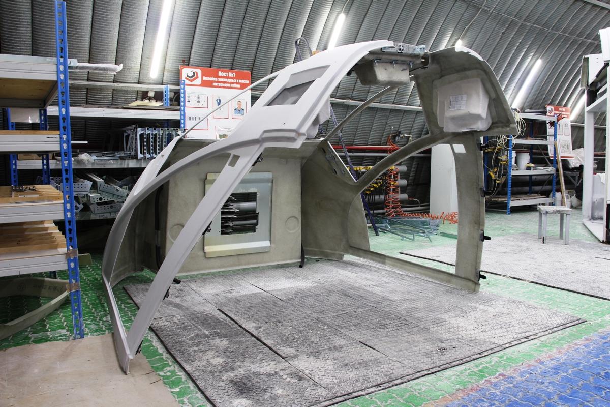 Будущие секции новых трамваев на Фабрике Композитов в Нижнем