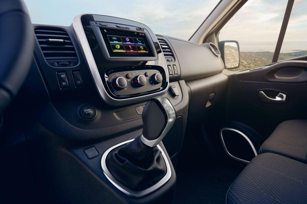Рэно представил обновленные фургоны Рено Master иTrafic
