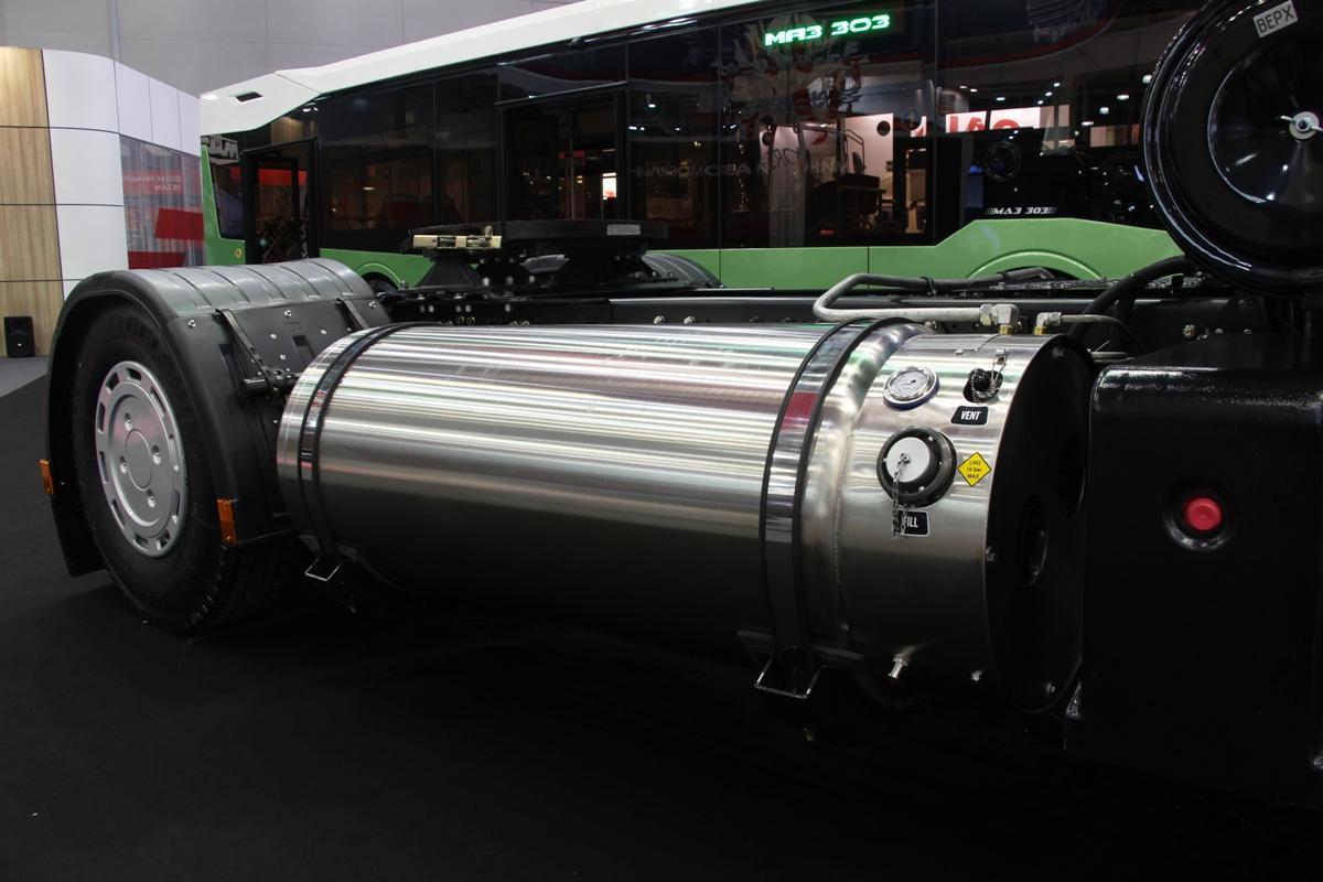 Количество машин с LNG-двигателями на выставке превышает количество LNG-заправок в России в несколько раз: и МАЗ туда же!