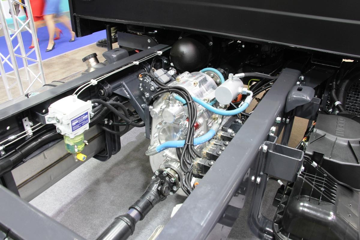 Проводка проложена аккуратно, а агрегаты массивны и надежны