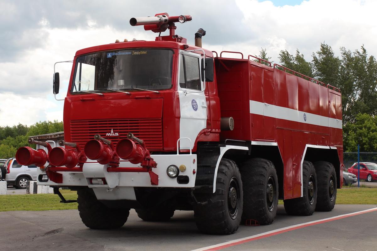 МАЗ-543 был самым массовым аэродромником в СССР, его потомок на шасси МЗКТ былой славы не снискал
