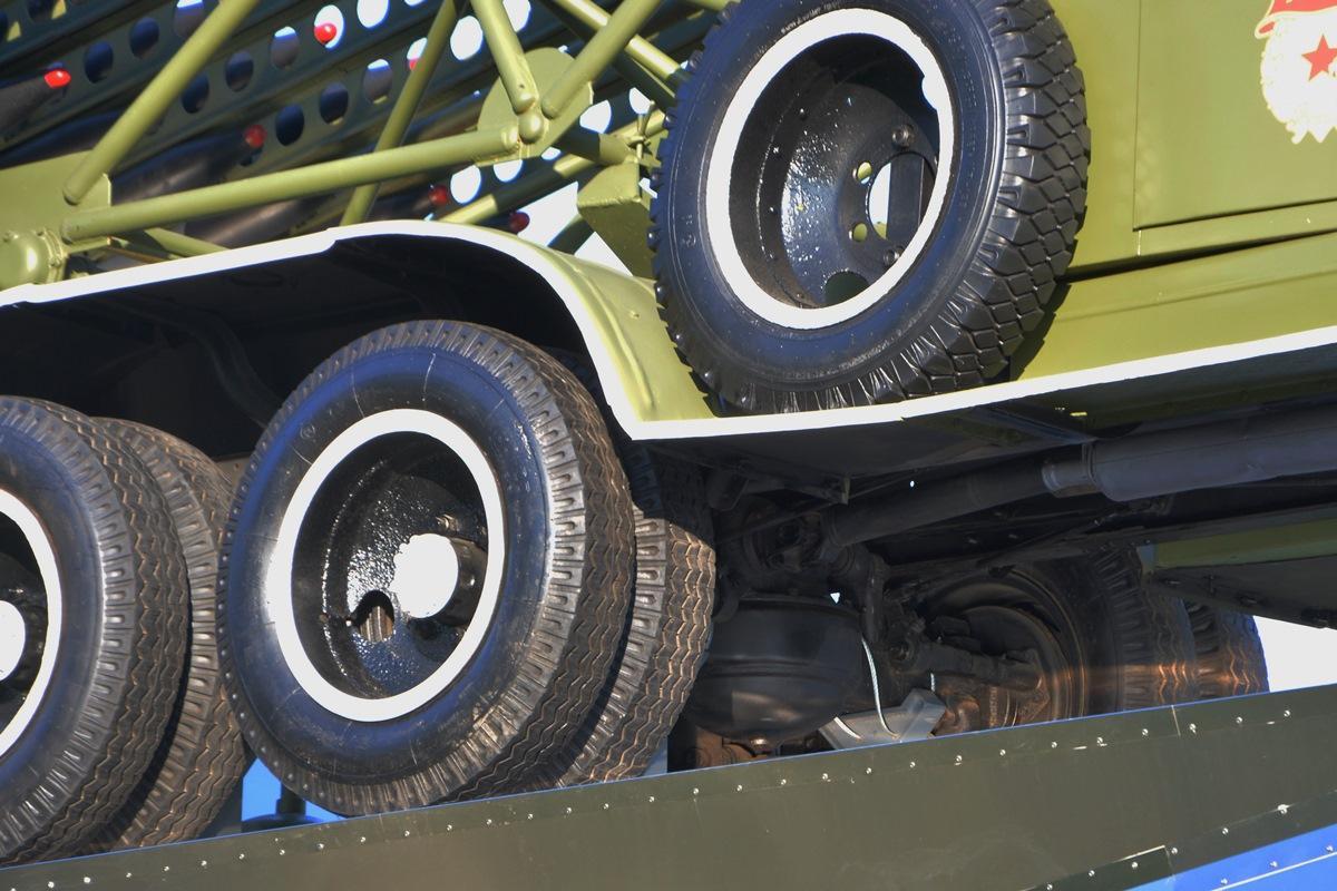 Протектор у запасного колеса совершенно другой — так и задумано?