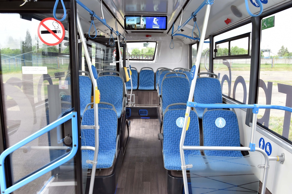 This electric bus has Tatarstan numbers, but judging by its coloring and emblems, it is intended for Moscow, just like its brothers