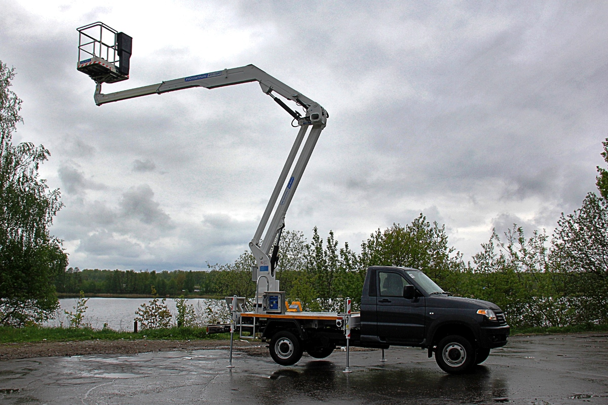 Unfortunately, we do not have data on the cost of such a car tower. As for the standard on-Board Pros, their prices start at 870 thousand rubles for cars produced in 2020