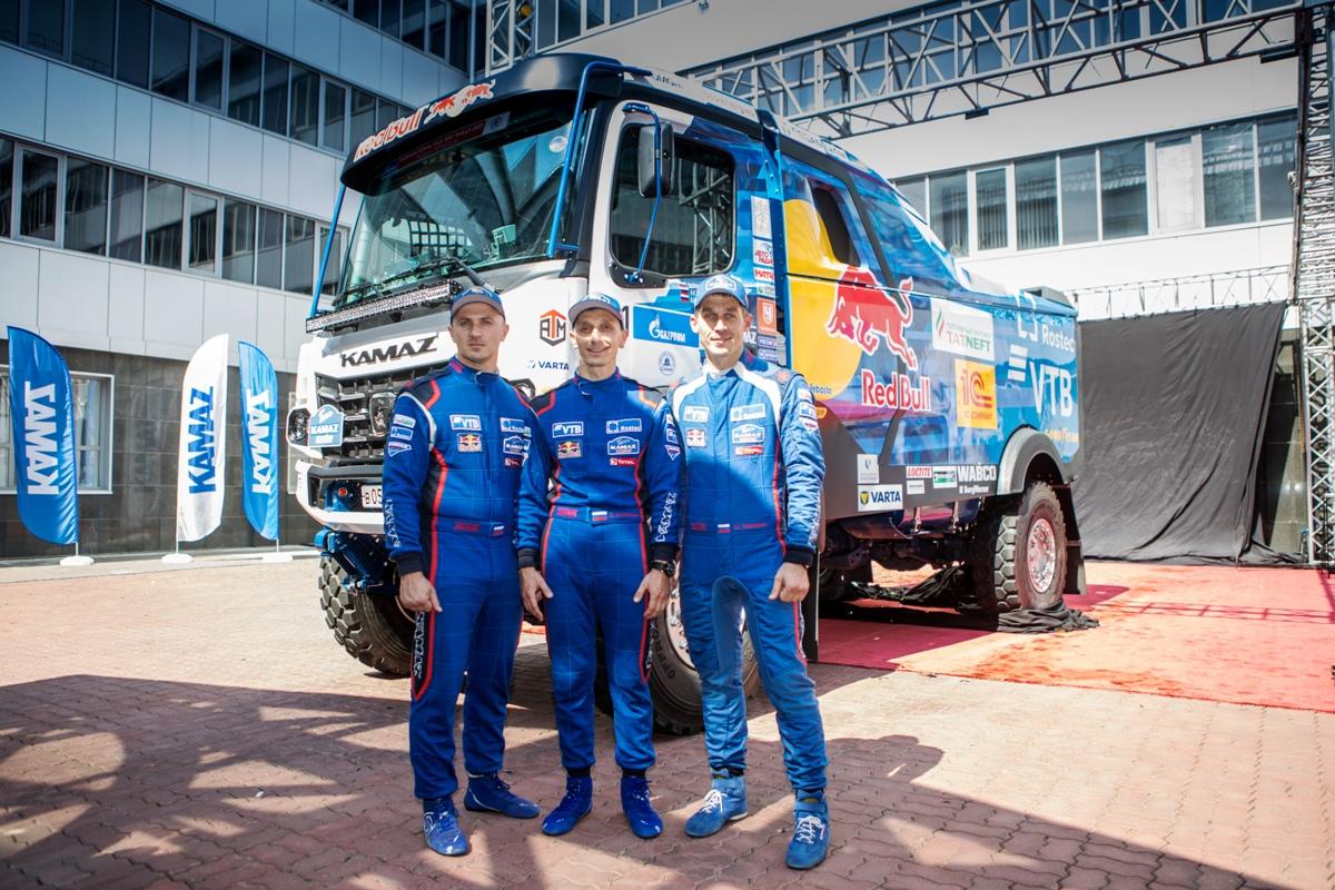 Официально представлен гоночный КАМАЗ с новой кабиной