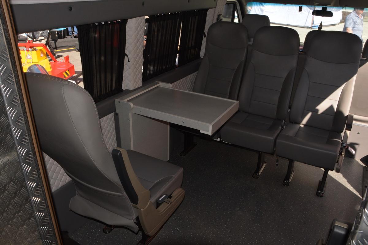 Фургоны МАЗ — это китайские JAC с его эмблемой