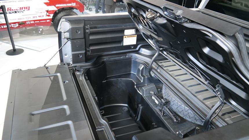 Открытый багажник пикапа Honda Ridgeline