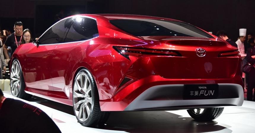 Тойота вШанхае презентовала новый седан— Fun