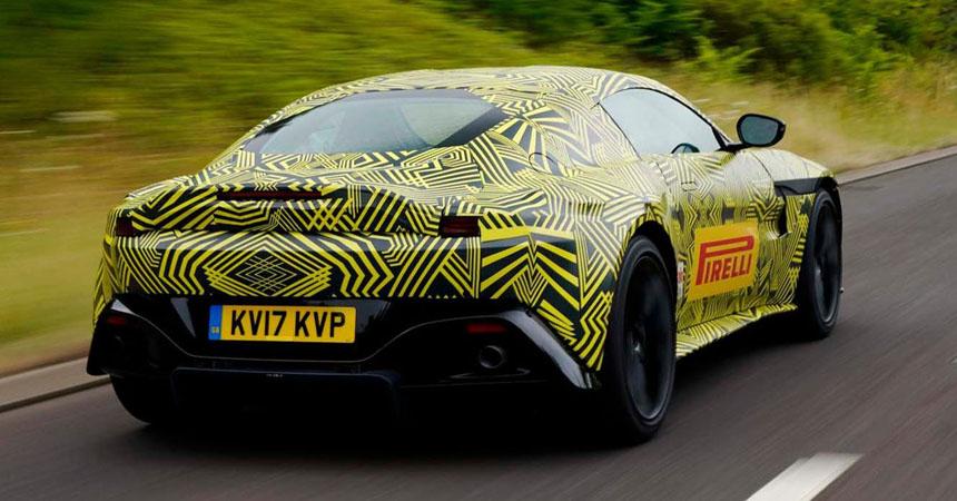 Астон Мартин продемонстрировал новый спортивный автомобиль под камуфляжем