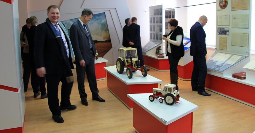 Минский тракторный завод предложит туристам собрать трактор «Беларус