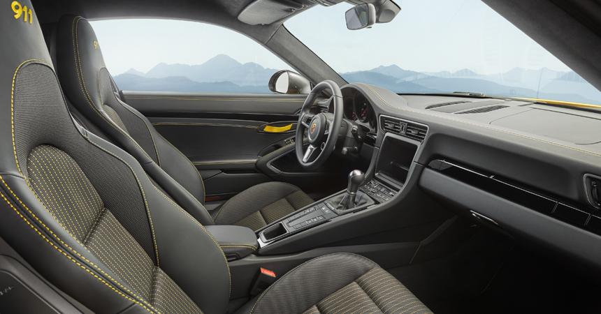 Порше разработало новейшую версию модели 911 Carrera