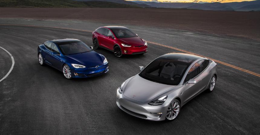 Дайджест дня: очень желтый Lexus LC, новый рекорд убытков компании Tesla и другие события автоиндустрии