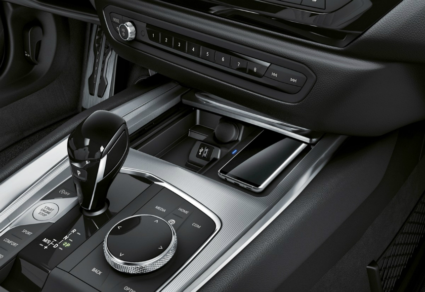 Фото серийного родстера BMW Z4: утечка по расписанию