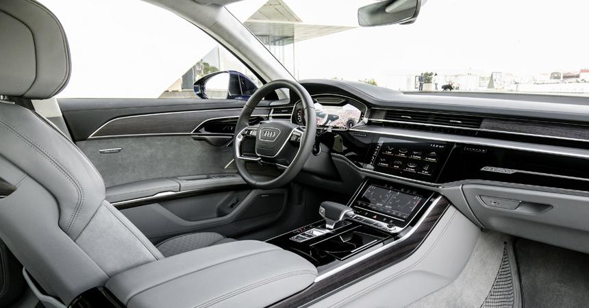 В Российской Федерации флагманский седан Ауди A8 обновленного поколения оценили в5 935 000 руб.