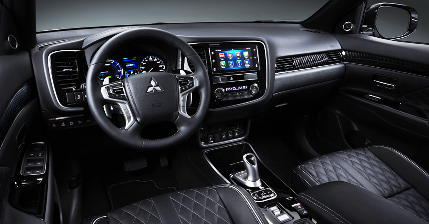 Обновленный Mitsubishi Outlander PHEV: мощнее и эффективнее