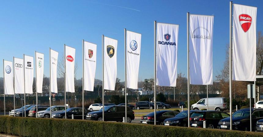 Дайджест дня: Toyota Supra с четырьмя цилиндрами, Lego Джеймса Бонда и другие события автоиндустрии