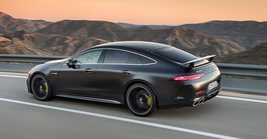 Пятидверный Mercedes-AMG GT оказался быстрее Панамеры
