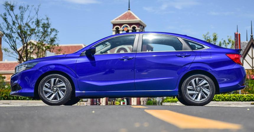 Новый седан Honda Crider: кузов больше, мотор меньше