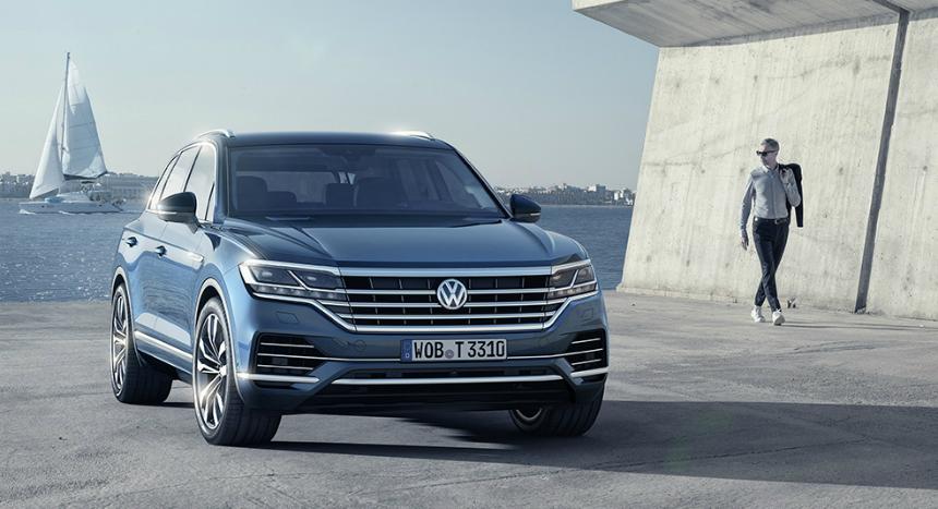 Кроссовер Volkswagen Touareg в России улучшил оснащение и подорожал