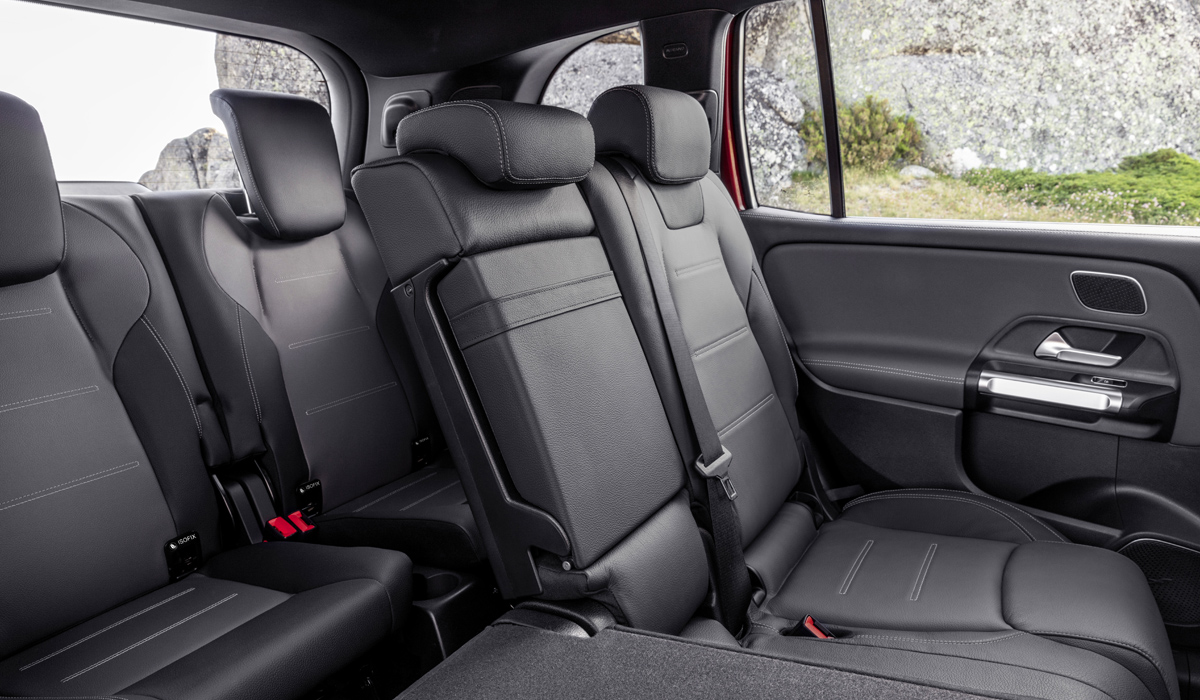 Кроссовер Mercedes-AMG GLB 35: заряд для семерых