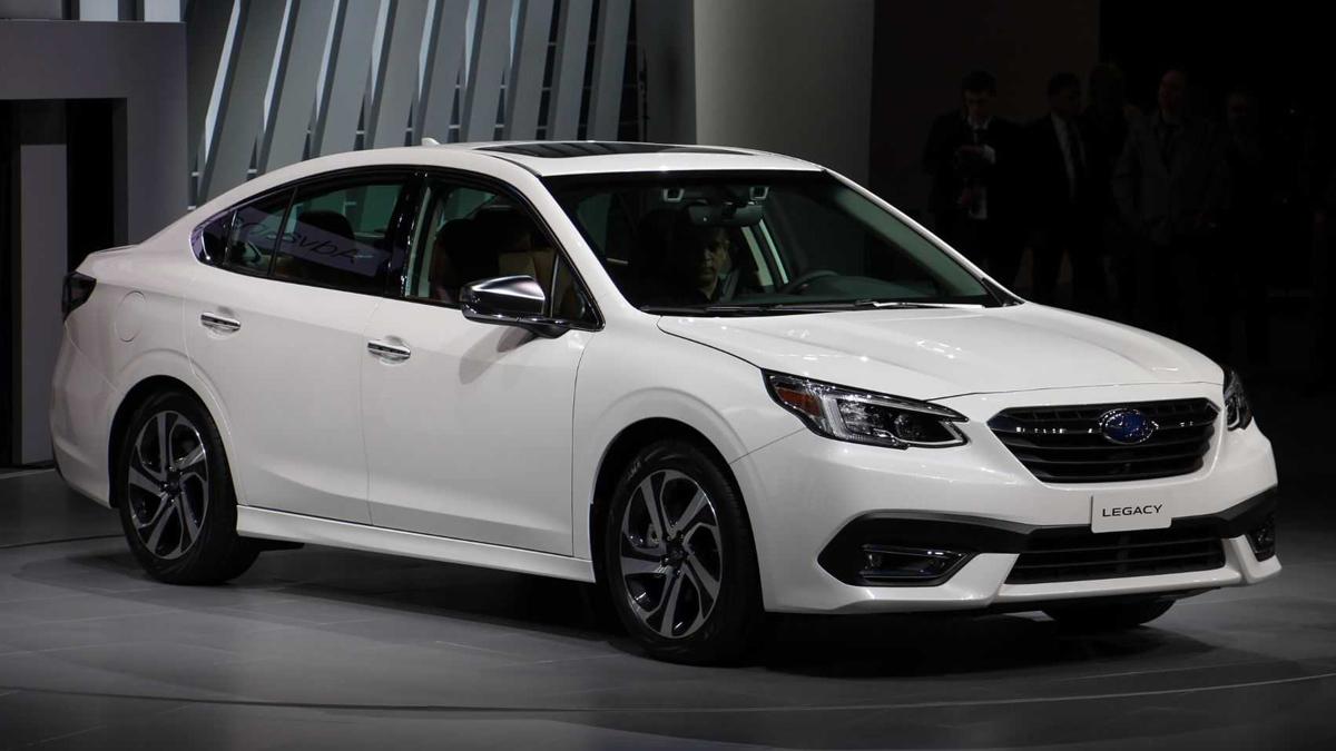 Новый седан Subaru Legacy вернулся к турбонаддуву