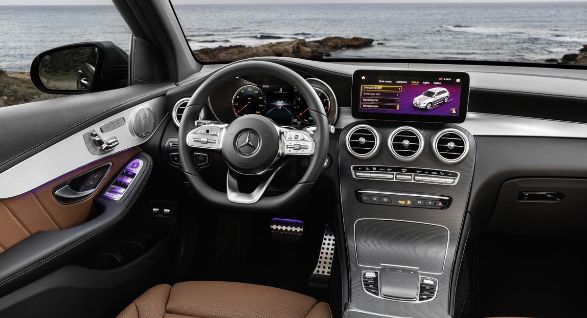 Картинки по запросу Mercedes Benz GLC 2019 салон