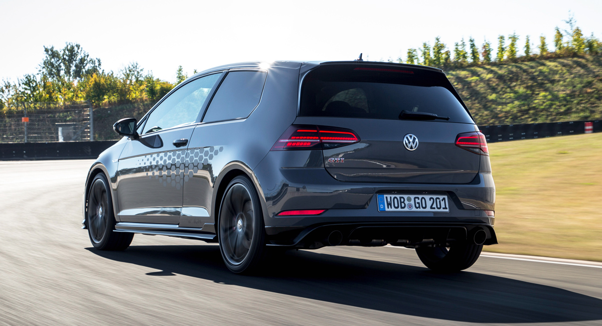 Заряженный Volkswagen Golf GTI TCR стал серийным