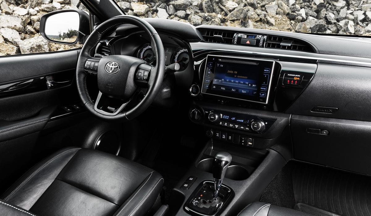 У пикапа Toyota Hilux появилась новая топ-версия