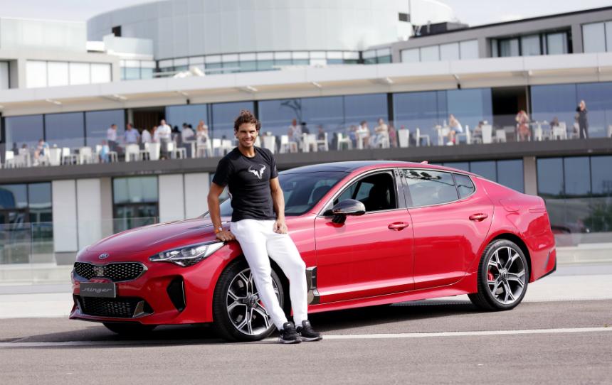 Дайджест дня: BMW второй серии, такси с мини-баром и другие события автоиндустрии