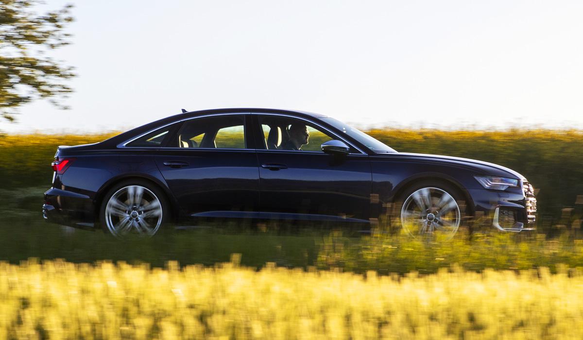 Еще один седан Audi S6: бензин и электронаддув