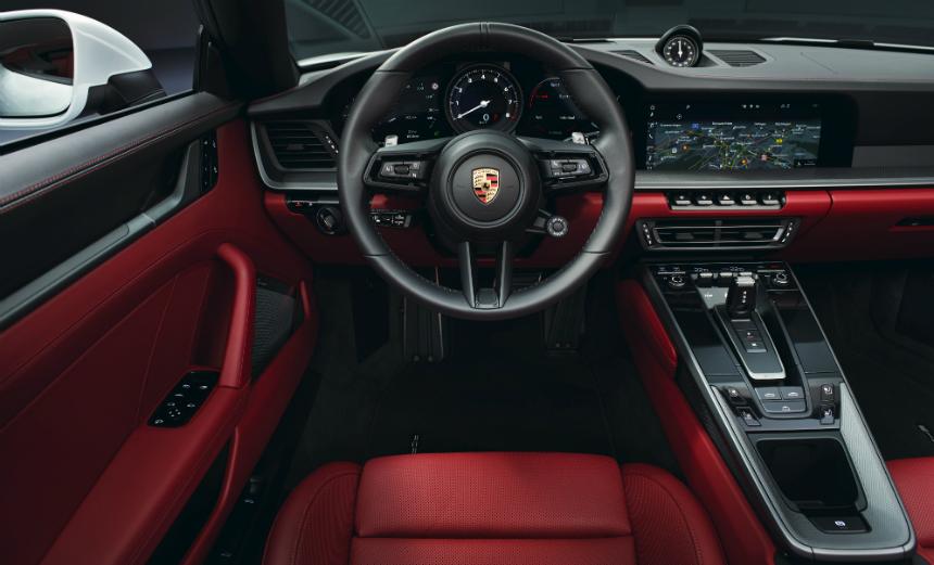 Купе и кабриолет Porsche 911 Carrera: базовые версии серии 992