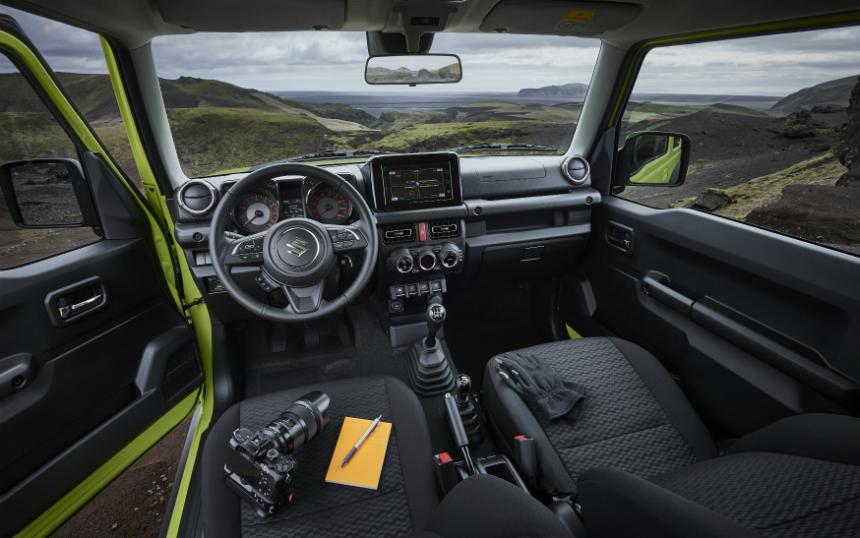 Внедорожник Suzuki Jimny в России: известна цена базовой версии