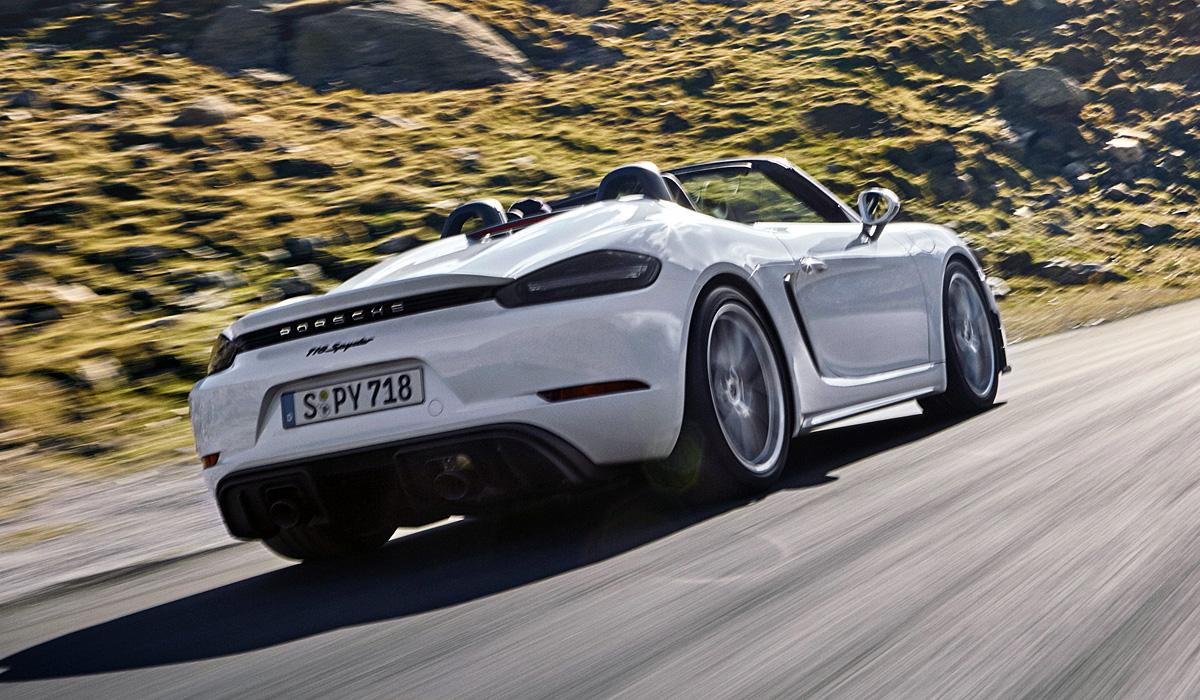 Porsche 718 без наддува: представлены Cayman GT4 и Spyder