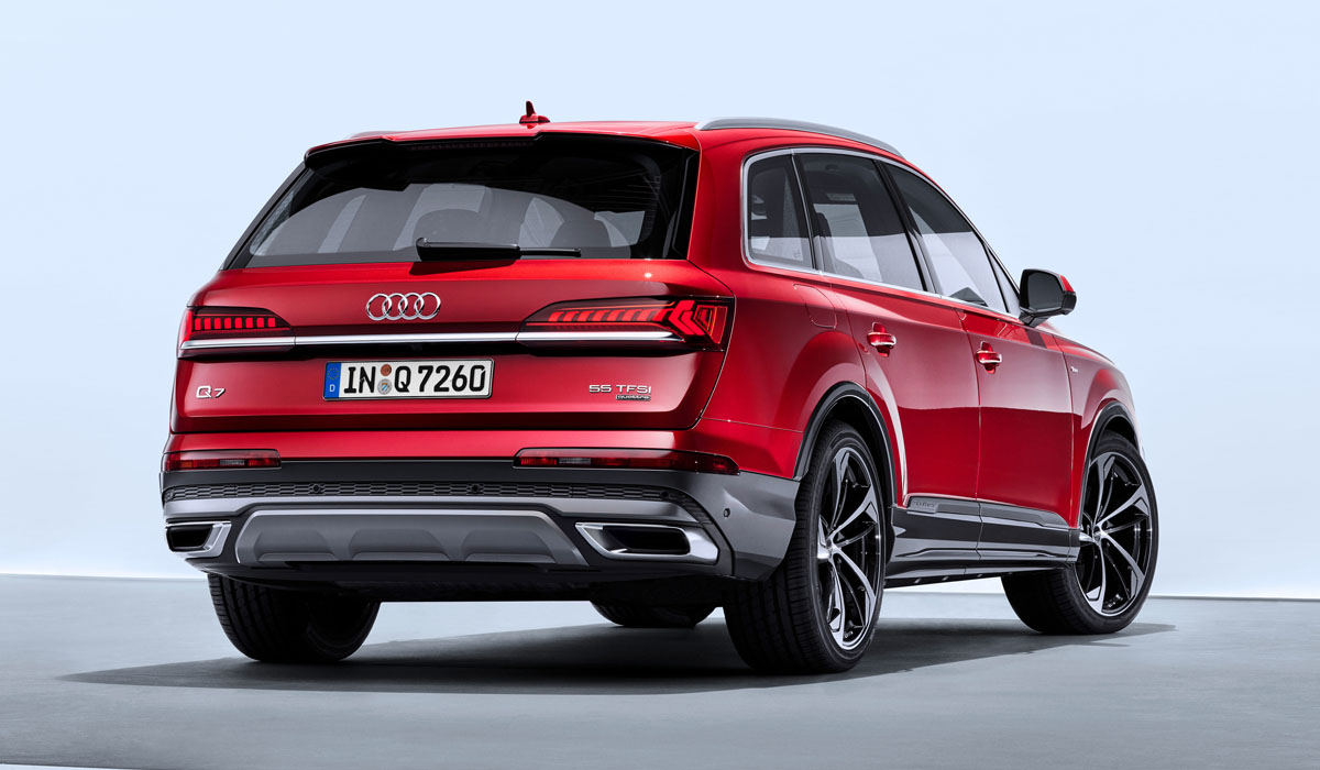 Кроссовер Audi Q7 обновлен по образцу модели Q8