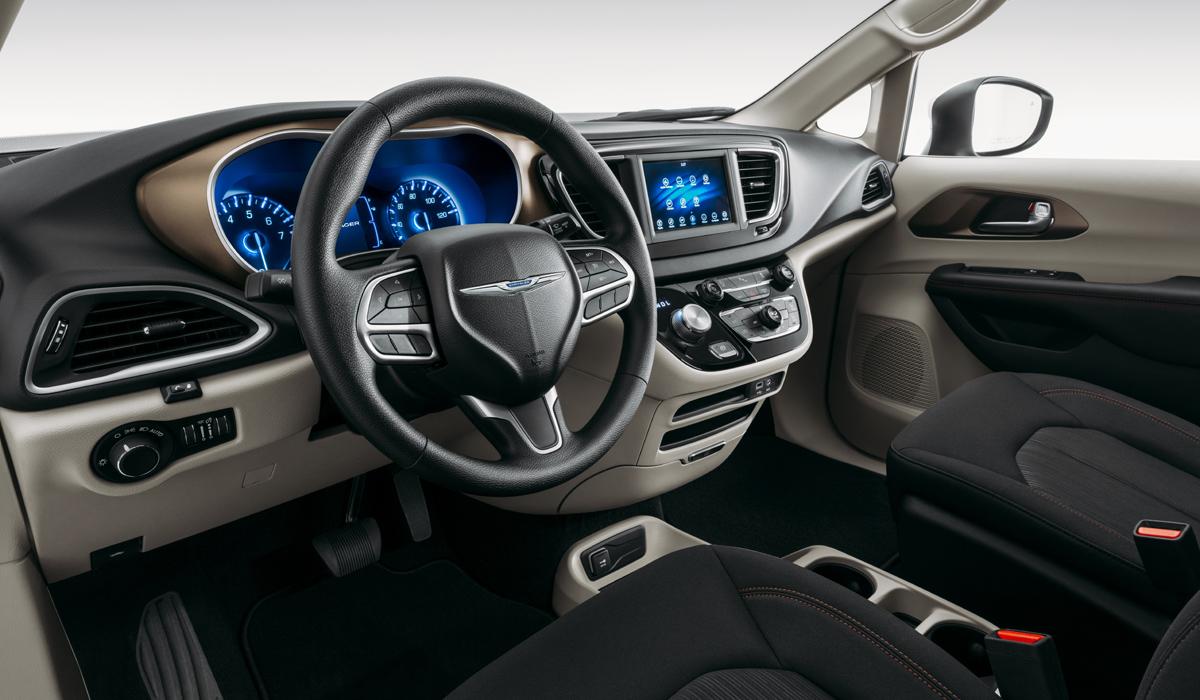 Новый Chrysler Voyager: искусственный ассортимент