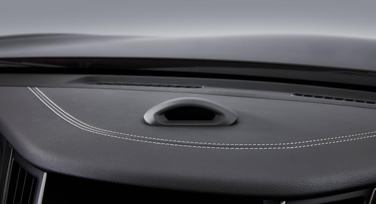 Новый Nissan Skyline сможет ездить без рук на руле