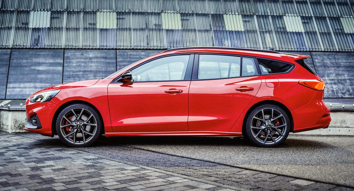 Новый Форд FocusST: сейчас иуниверсал с608-литровым багажником