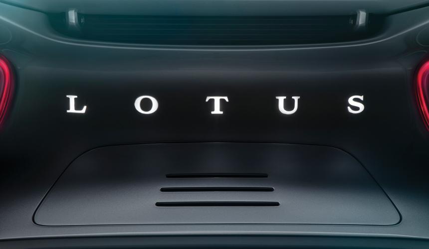 Дайджест дня: будущий DS 8, Mini-тягач для Боинга и другие события автоиндустрии