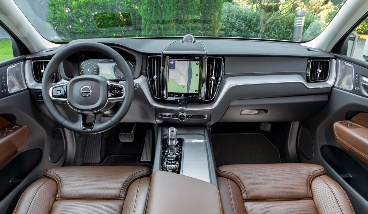 """Картинки по запросу """"Volvo XC60 T8 Twin Engine салон"""""""""""