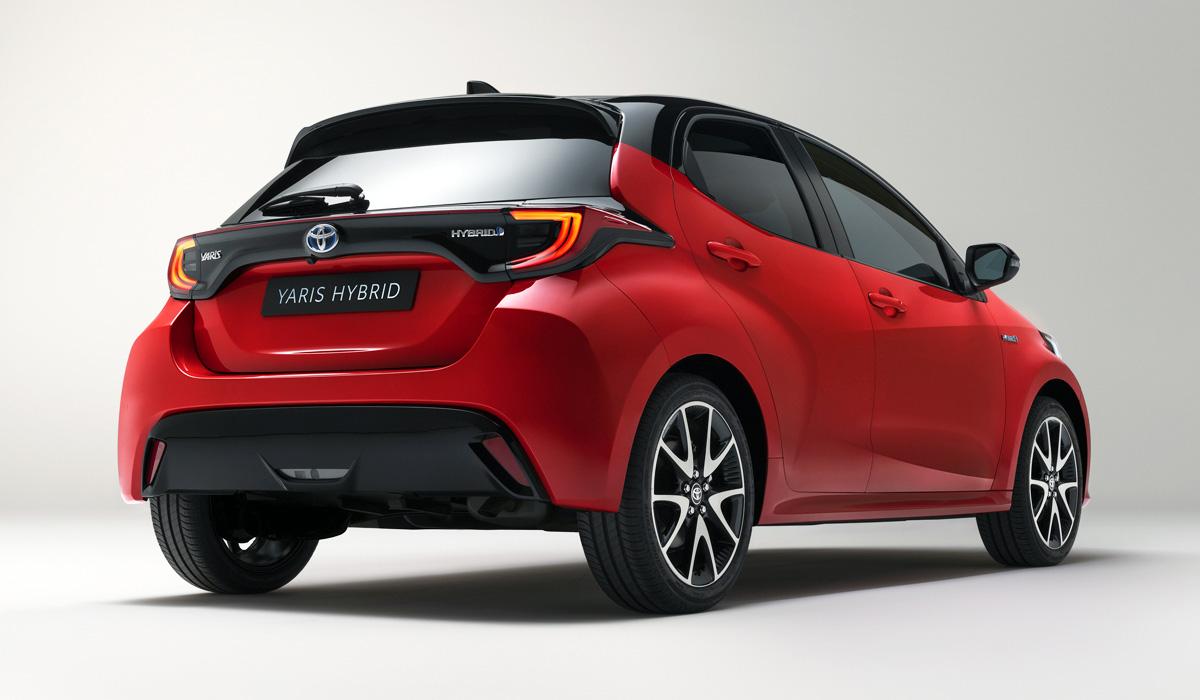 Картинки по запросу Toyota Yaris Hybrid сзади