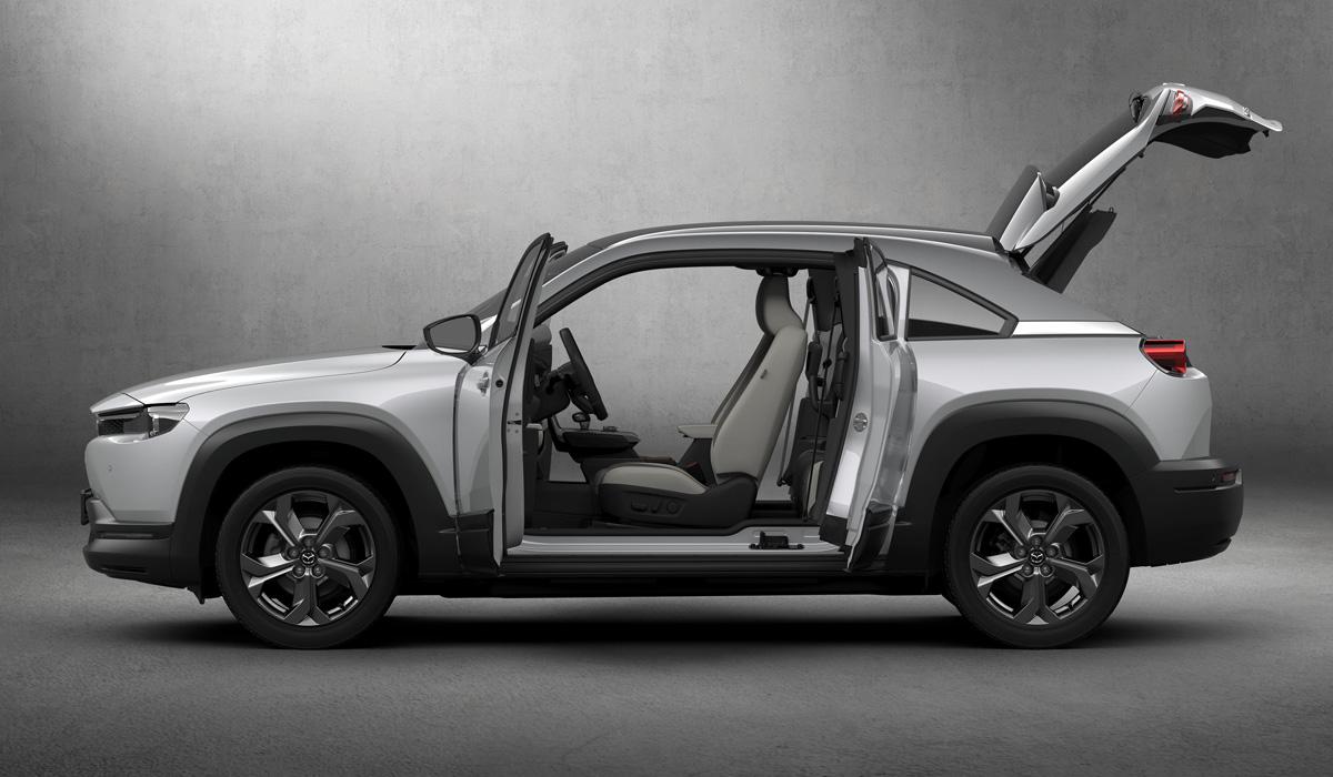 Новая Mazda MX-30: драйверский электромобиль