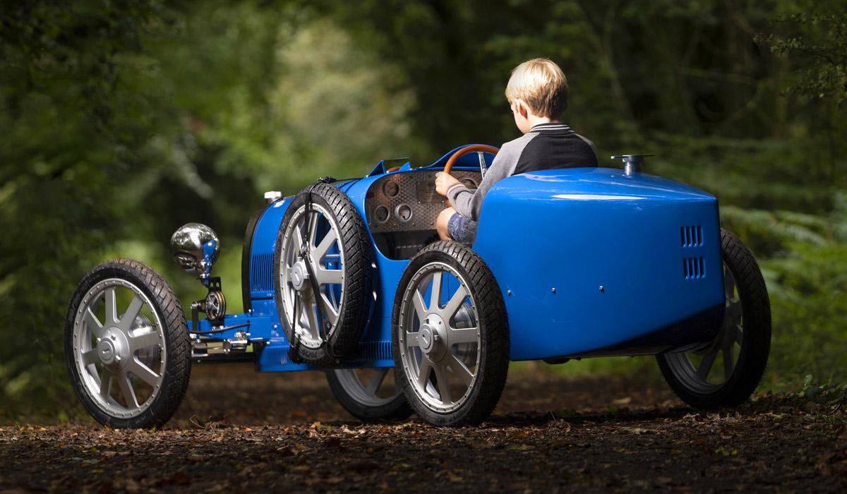 Бугатти построила детский автомобильчик поцене Тоёта Camry