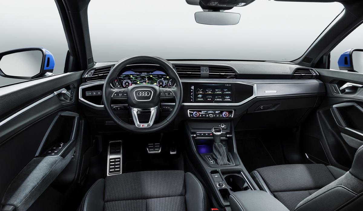 Новый Audi Q3 с полным приводом: цены в России