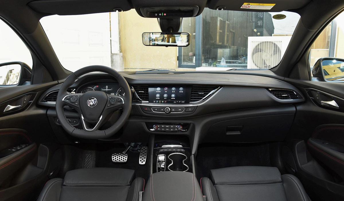 Седан Buick Regal GS обновлен вслед за донорским Опелем