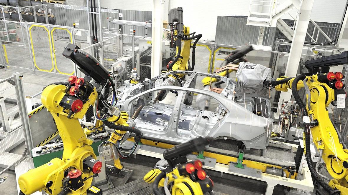 Дайджест дня: Jimny в ретростиле, мед Rolls-Royce и другие события индустрии