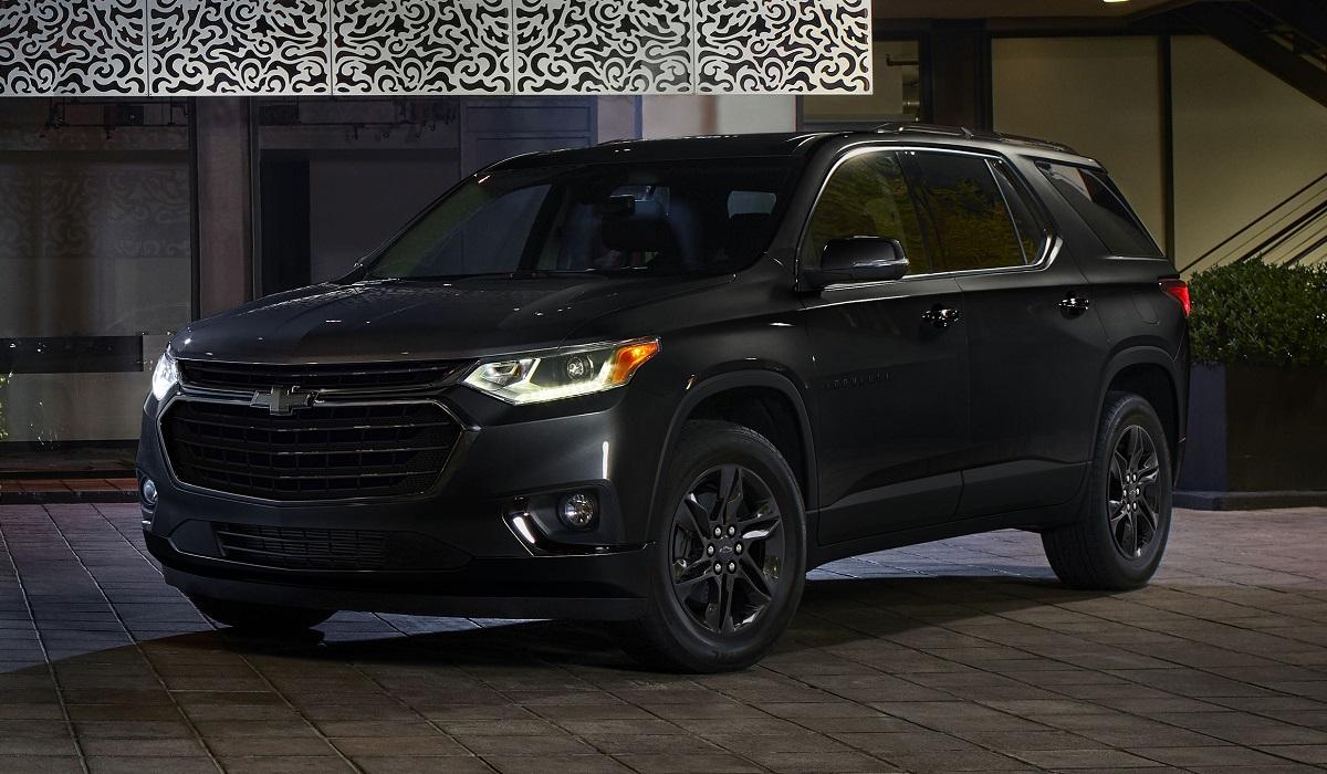 Chevrolet Traverse Midnight Edition - Кроссоверы Chevrolet Traverse и Equinox обзавелись новыми спецверсиями