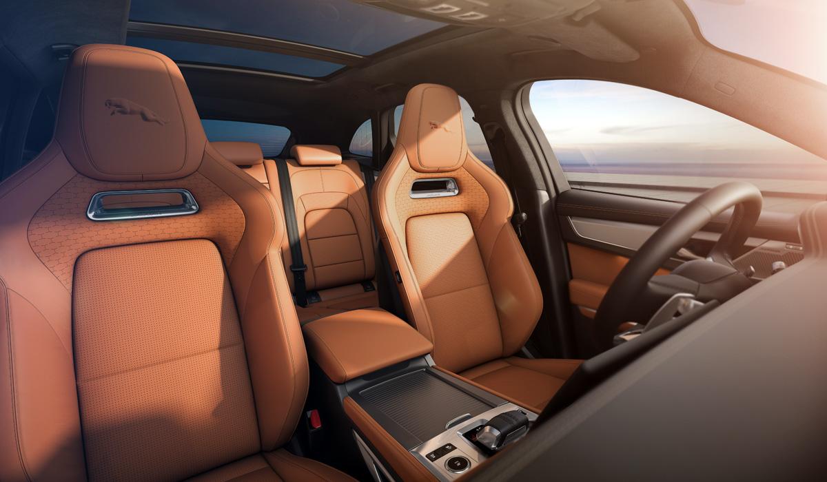 jaguar f pace 3 - Объявлены цены на обновленные кроссоверы Jaguar F-Pace