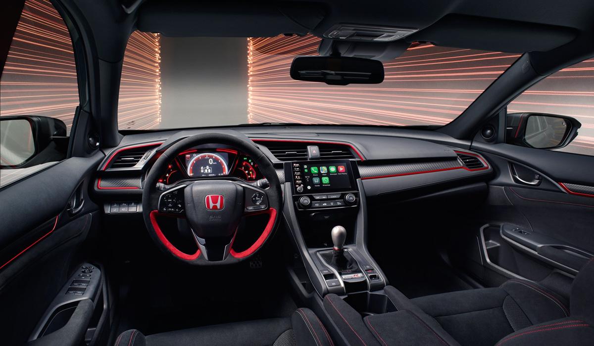 Представлены две полярные версии хэтчбека Honda Civic Type R