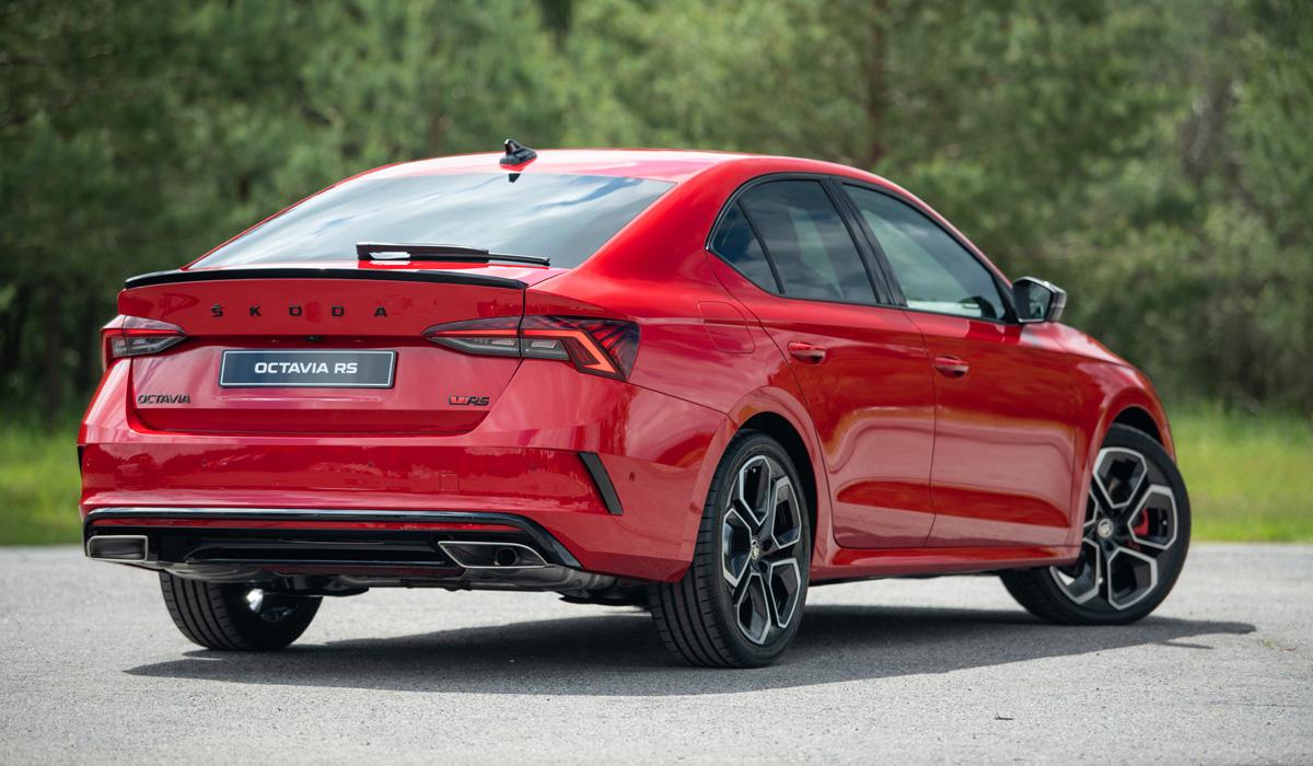 Новая Skoda Octavia RS: бензин, дизель и полный привод