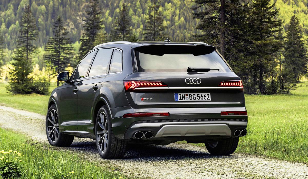 Audi SQ7 и SQ8 с бензиновыми V8: теперь и в Европе